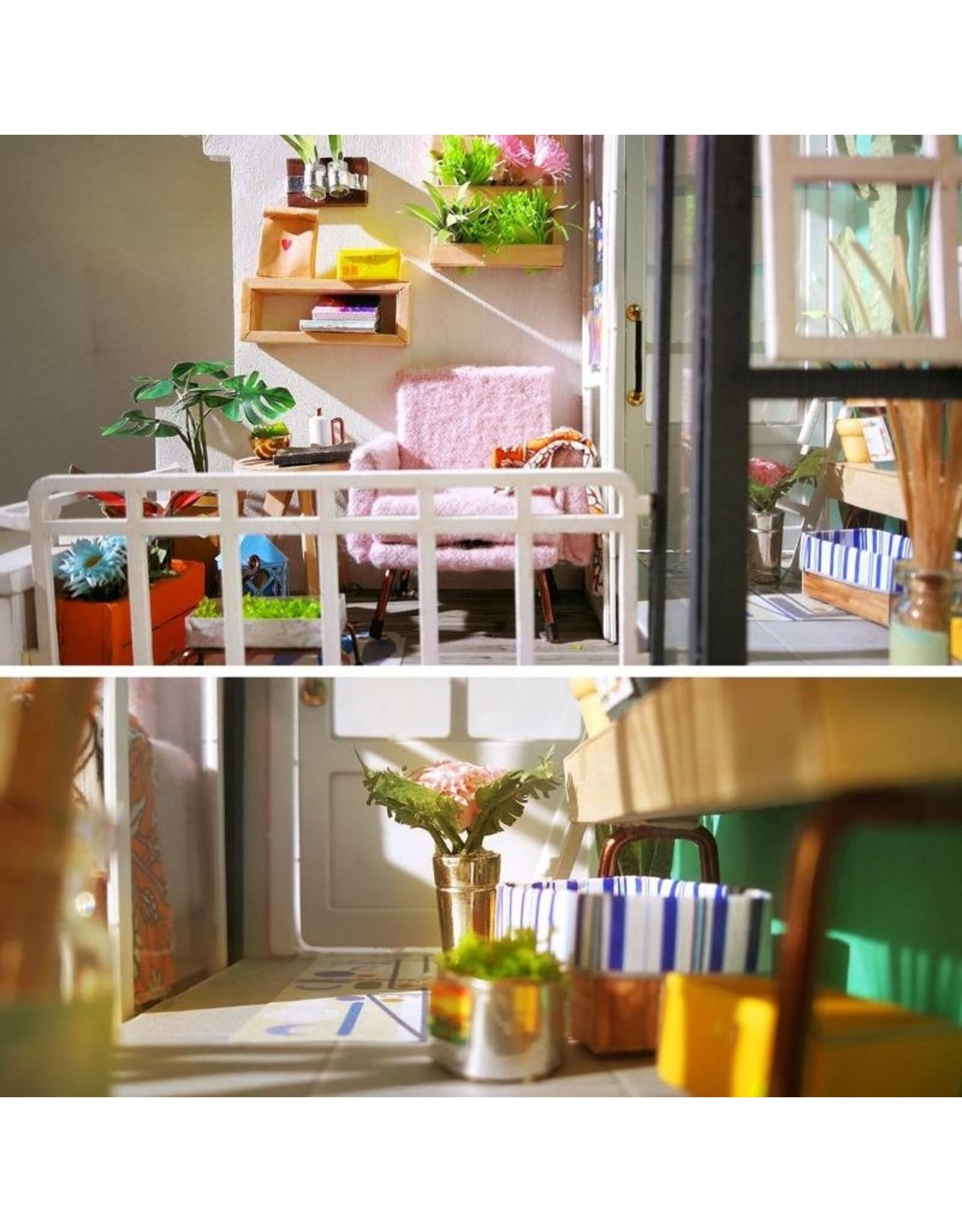 Rolife DIY House: Balcony Daydreaming