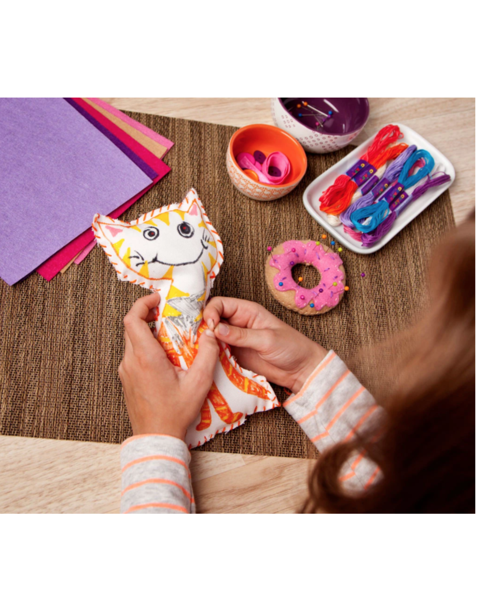 Craft Tastic Learn to Sew Kit