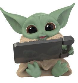 Hasbro Star Wars Mandalorian Season 2 Bounty Tablet Figure