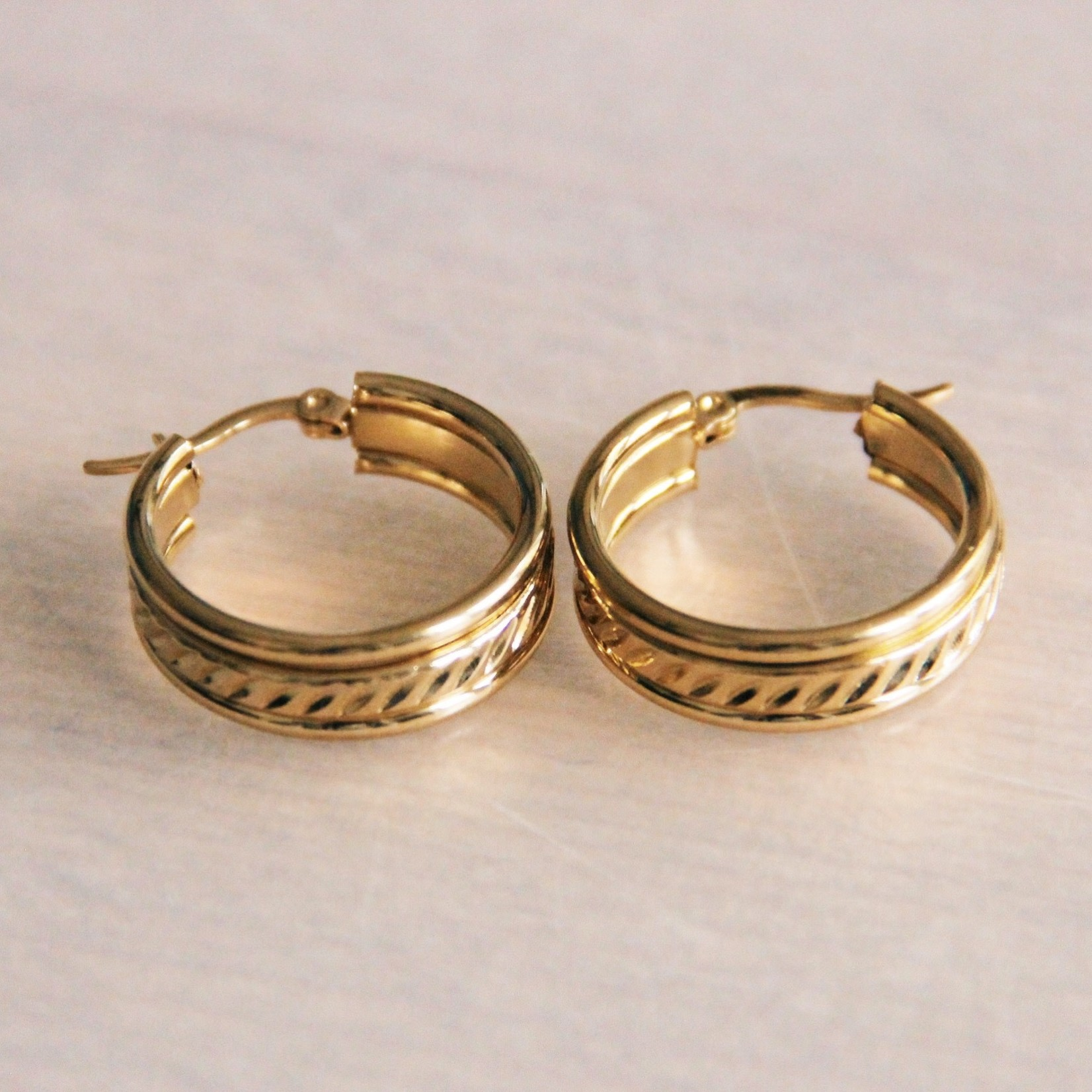 """Stainless Steel Creole 25mm """"Wide Classic"""" - Gold Hoop"""
