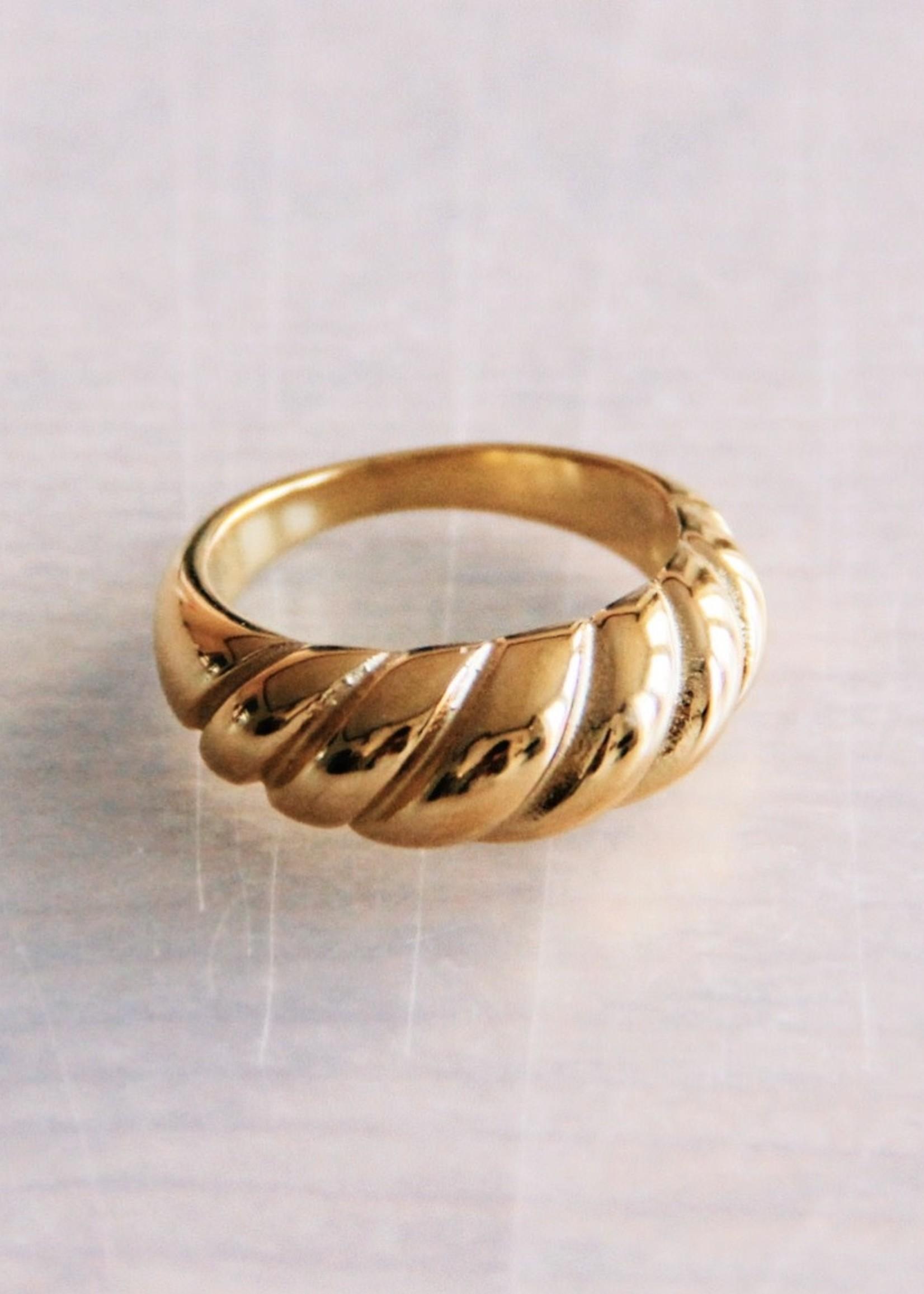 EM & ELLE Steel Croissant Ring - Gold