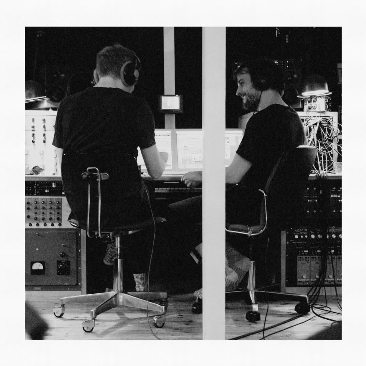 Nils Frahm & Olafur Arnalds • Trance Frendz-1