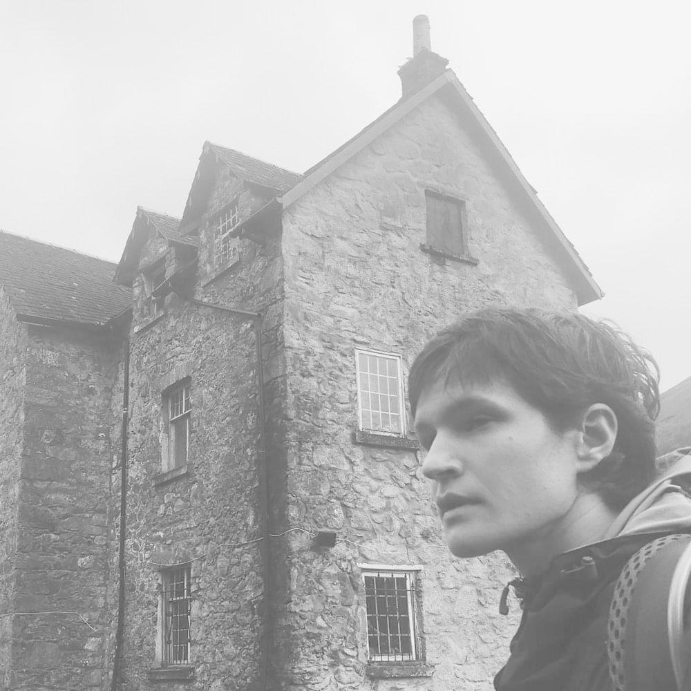 Adrianne Lenker • Abysskiss-1