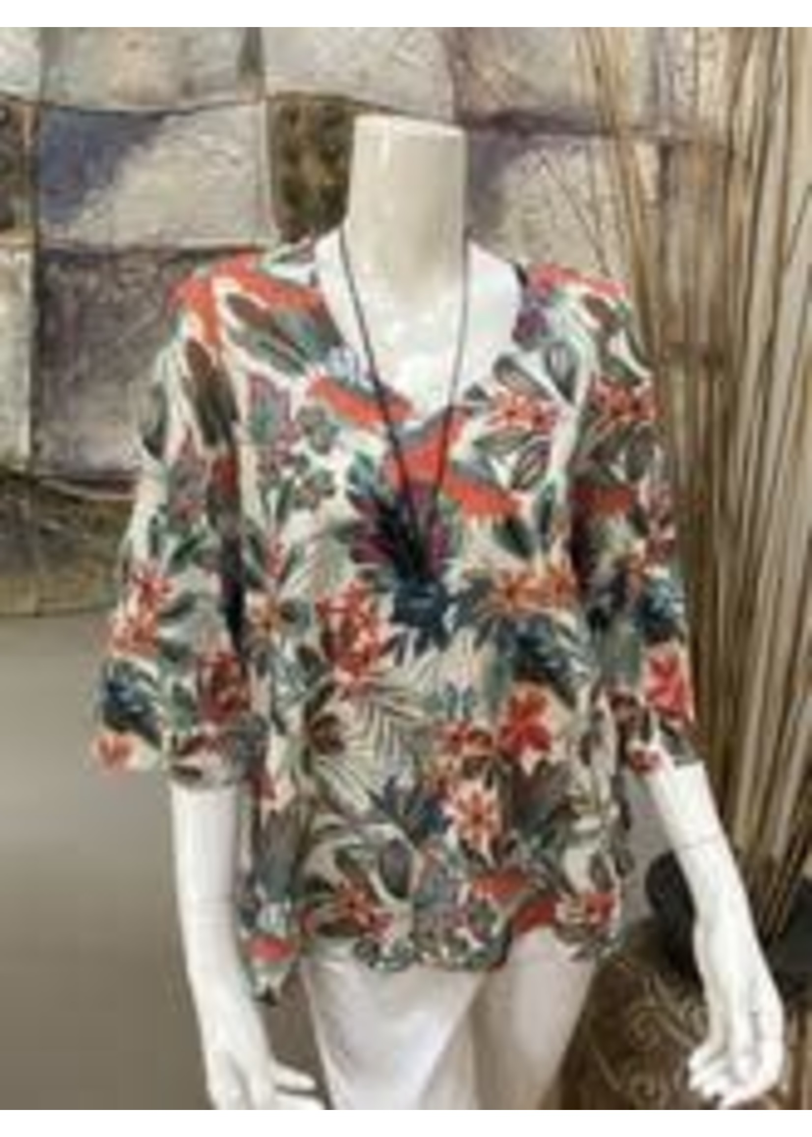Pure Essence Floral Top With Necklace