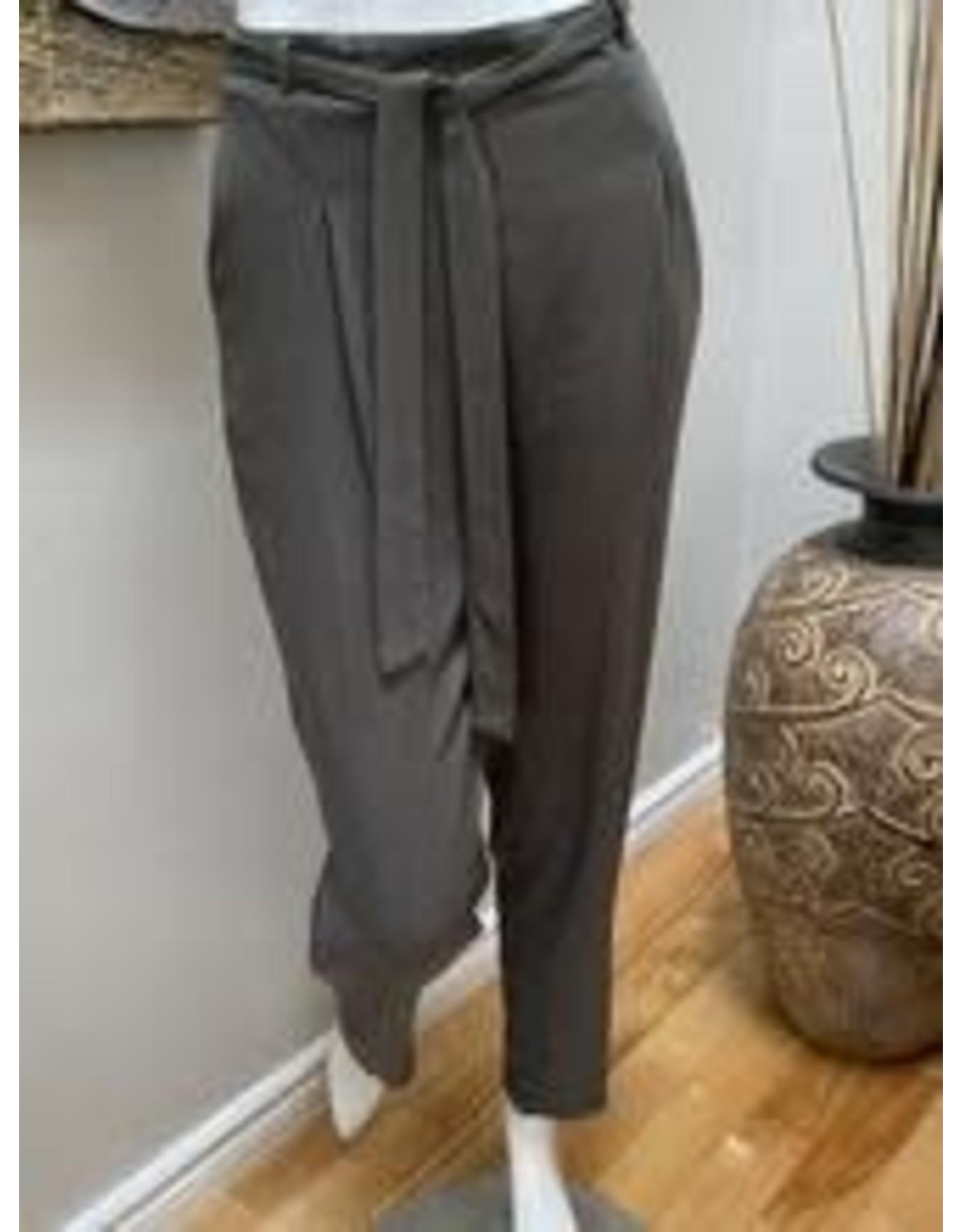 Devia Pants