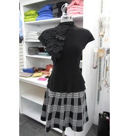 Frank Lyman Black/White Knit Skirt