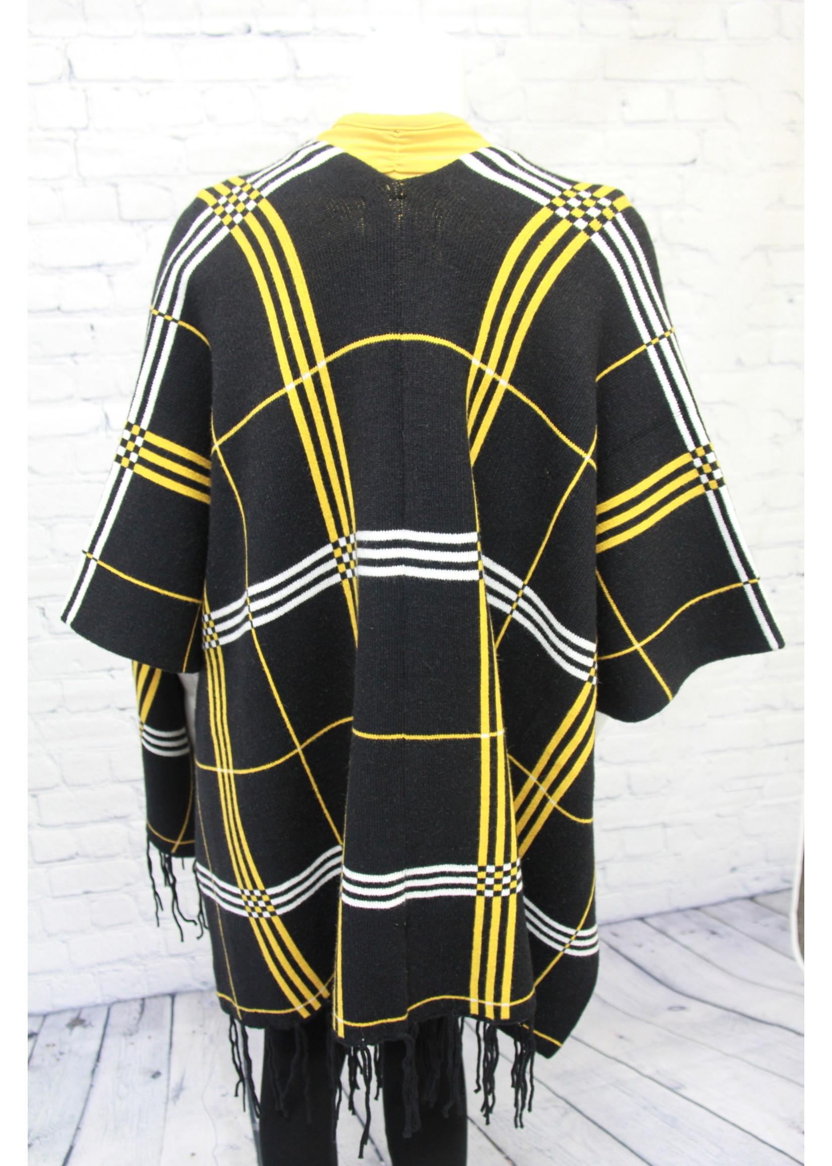 Frank Lyman Black/Dijon Knit Poncho