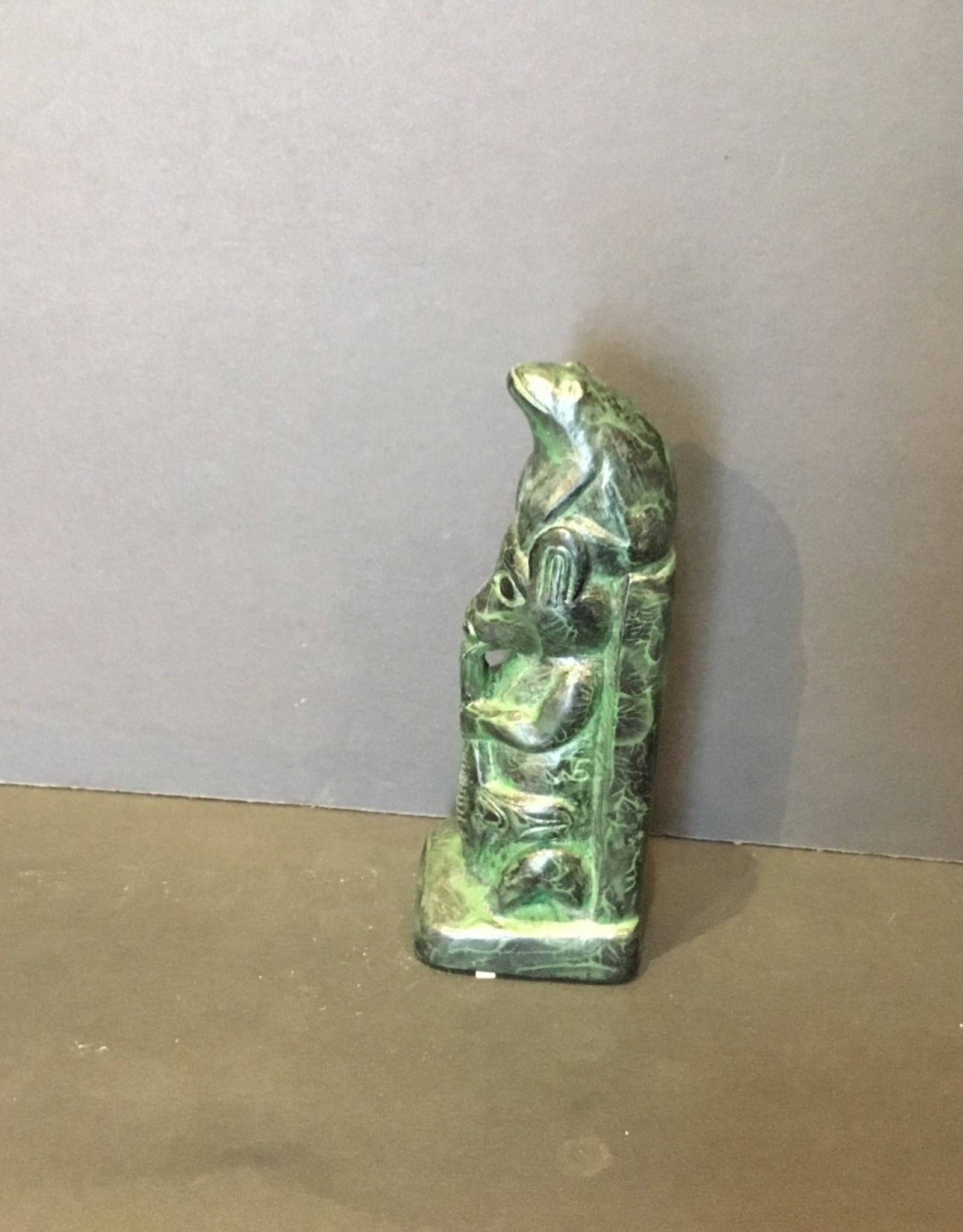Native carving / Small Totom with frog on top