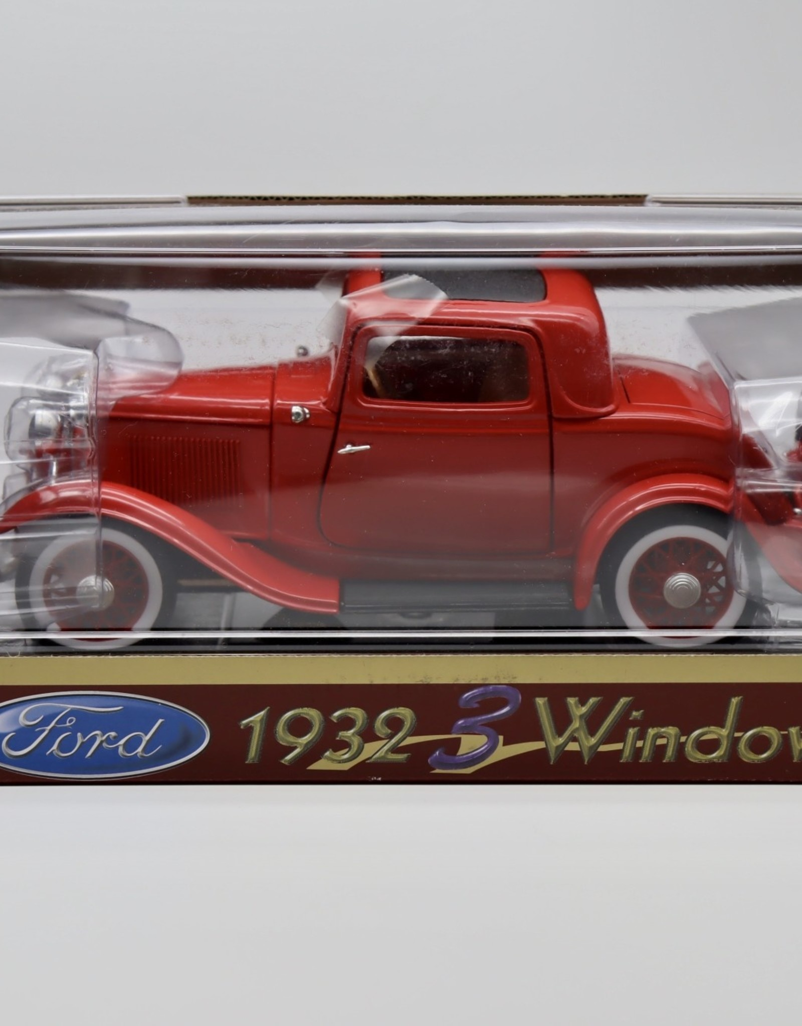 1932 Ford 3 Window - C81