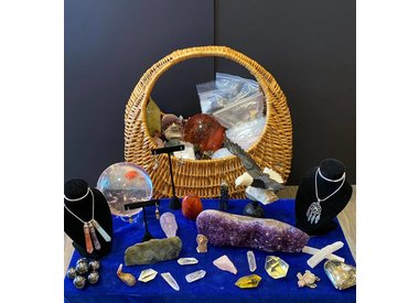 Crystals, Stones and Raw Materials
