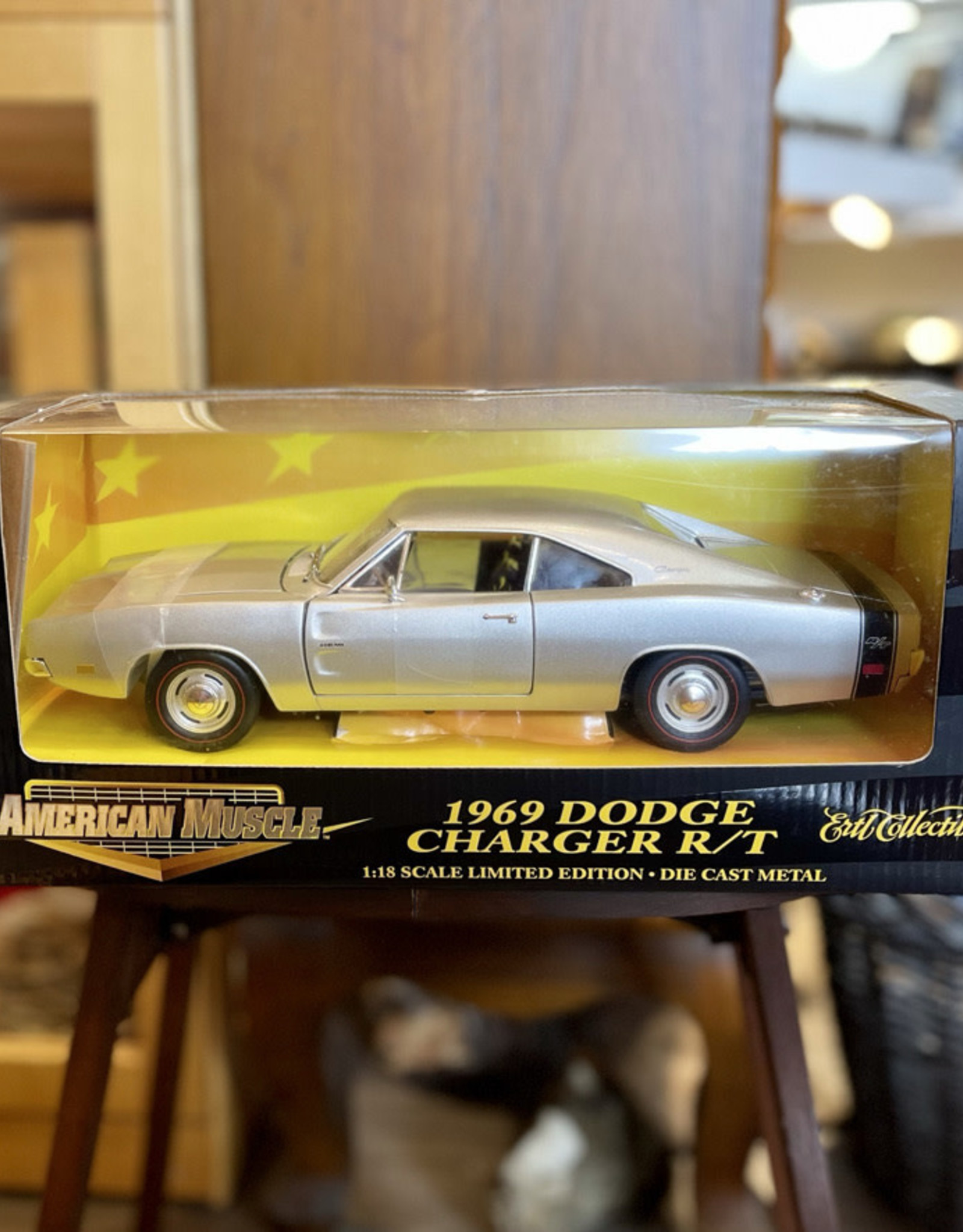 DieCast Car 1969 Dodge Charger R/T