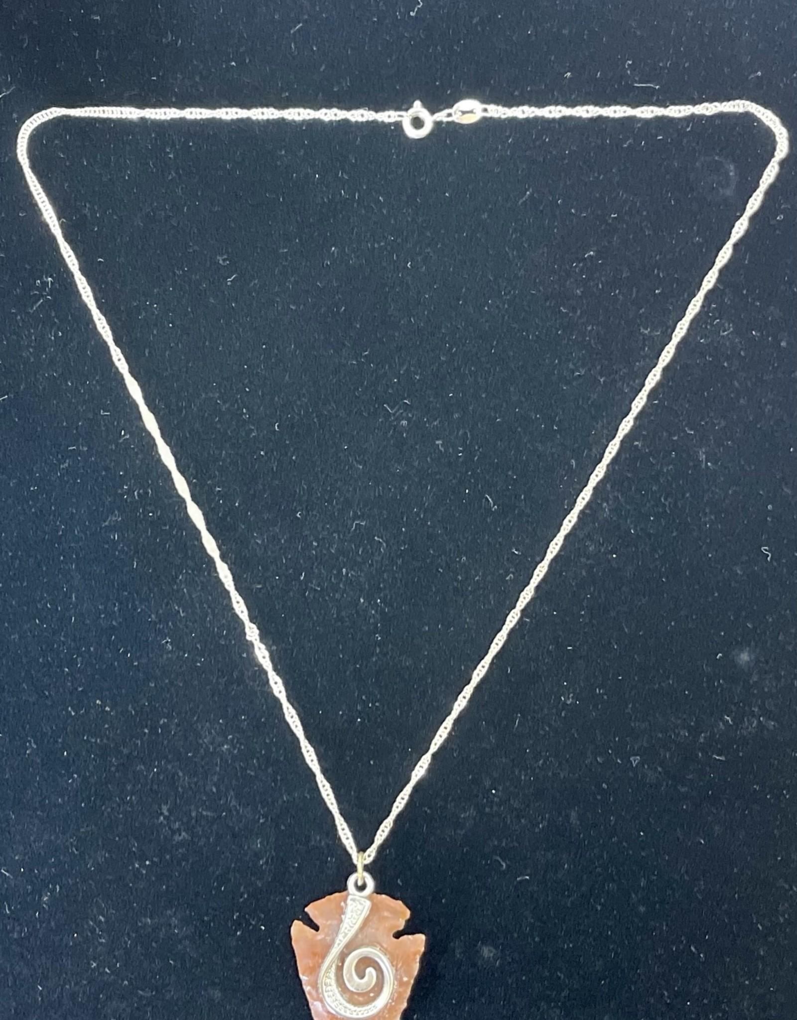 Jewelry - Arrowhead pendent