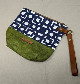 DarnYarnMN Regular Wool Wedge Bag