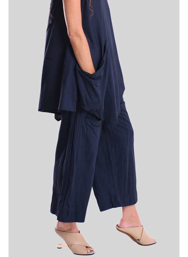 Alembika Cropped Pocket Pant In Navy