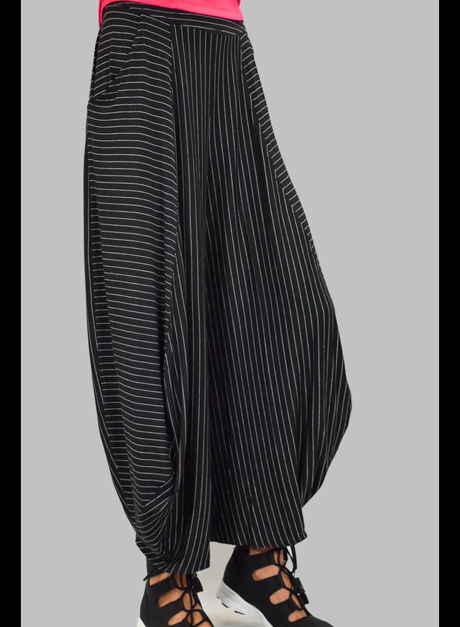 Comfy's Liz Pants In Black Pinstripe