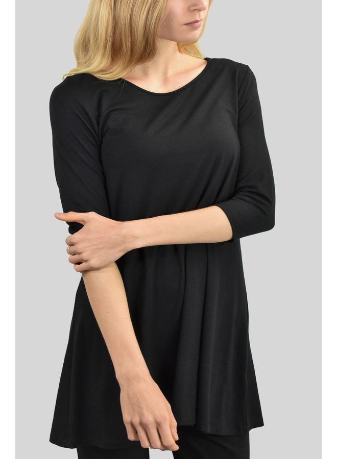 Comfy 3/4 Sleeve Tunic Top In Black