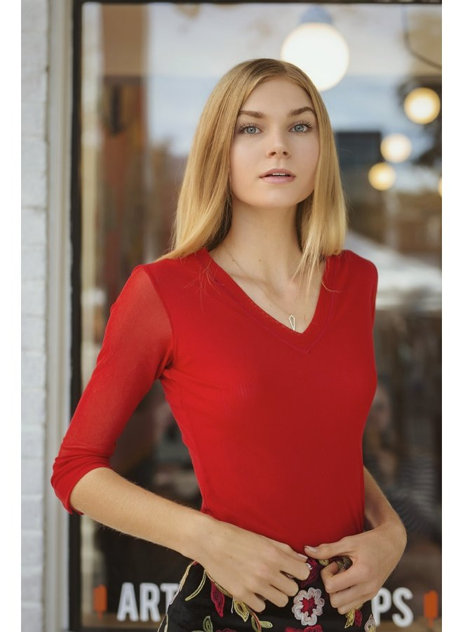 Petit Pois V-Neck Top In Russo Red