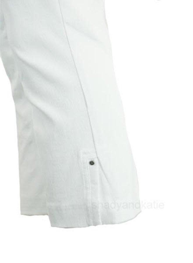 Renuar's Side Vent Capri In White