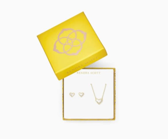 Ari Heart Gift Set in Gold Ivory MOP