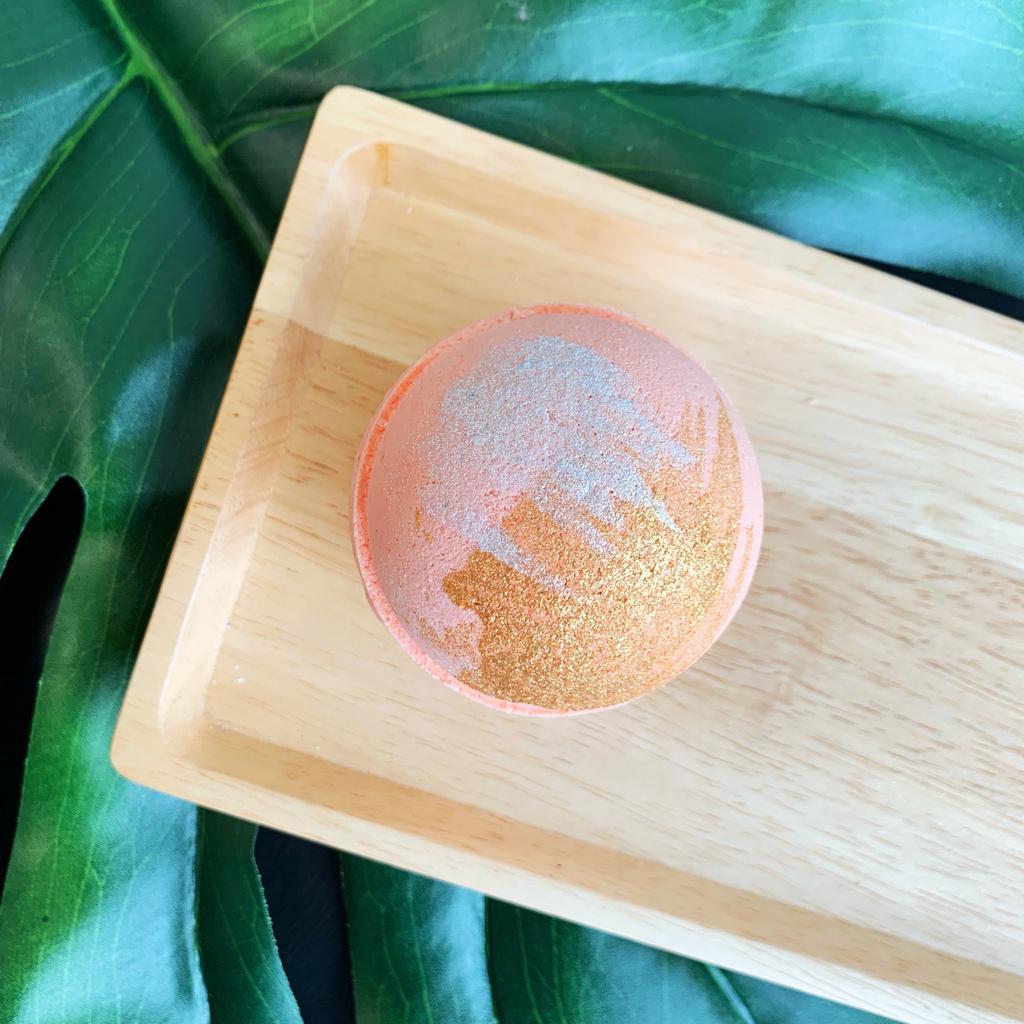 Ginger Peach Bath Bomb