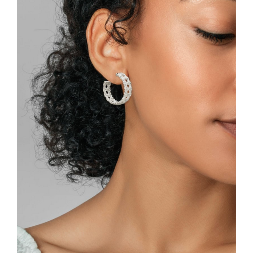 Kendra Scott Natalie Hoop Earrings in Silver