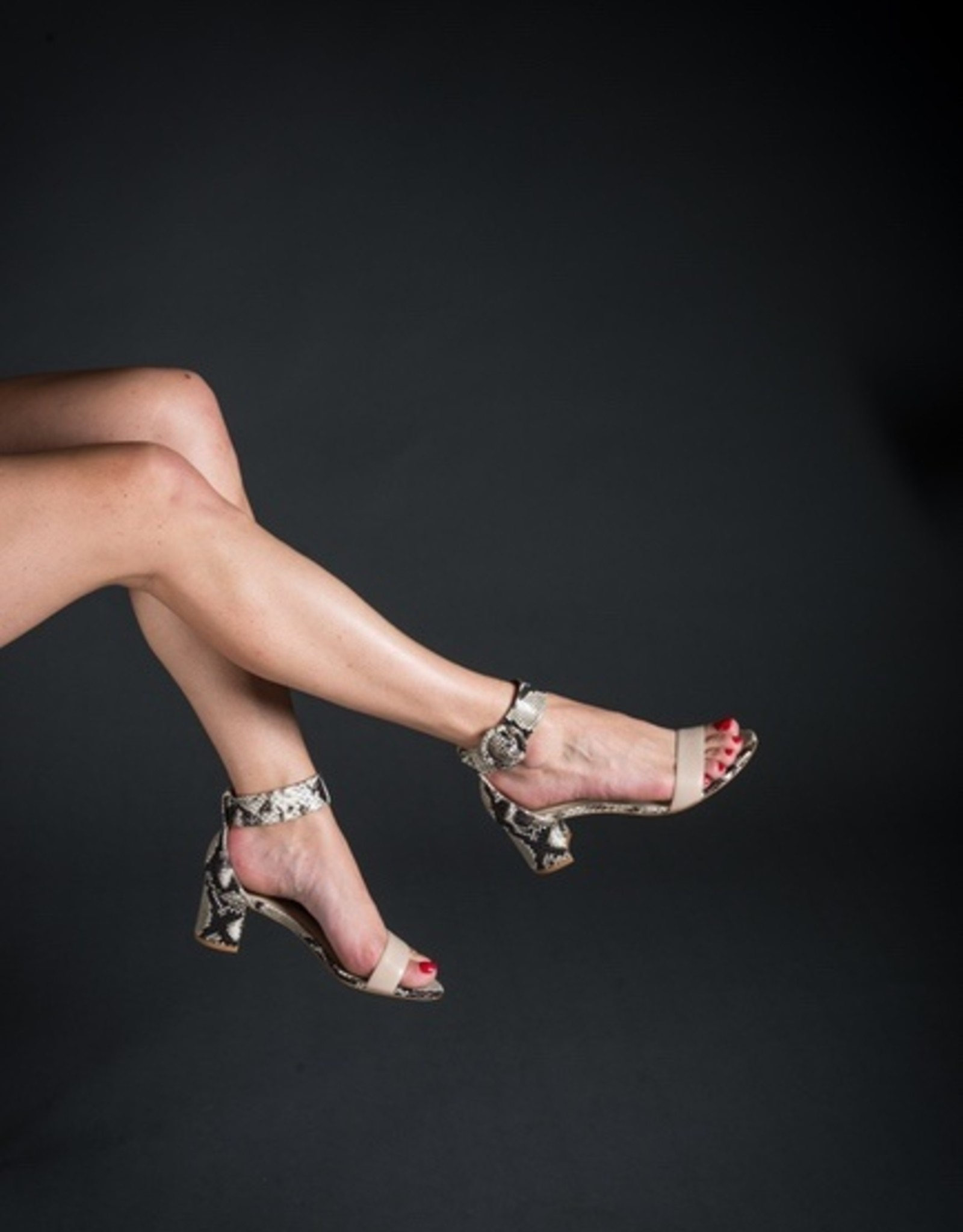 Guilhermina Guilhermina Ankle Strap Sandal
