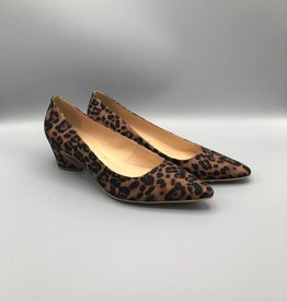 Luiza Barcelos Pointed Toe Block Heel