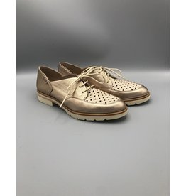 Pikolinos Sitges Pointed Lace Up Large Perf. Oxford