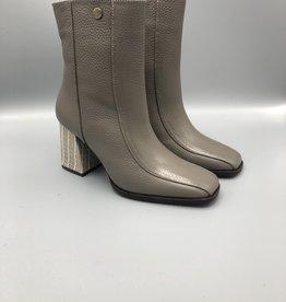 Stivali Geneva Handmade Leather Squared Off Midi-Boot