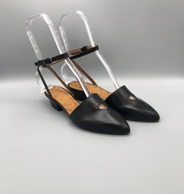 Chie Mihara Ankle Strap Pointed Toe Triangle Cut Out