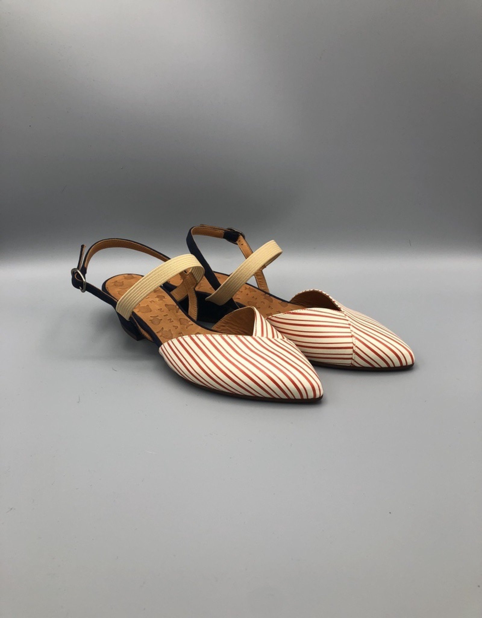 Chie Mihara Ankle Strap Pointed Toe