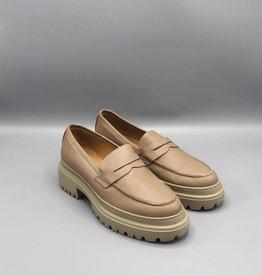 Manovie Toscane Chunky Sole Leather Loafer