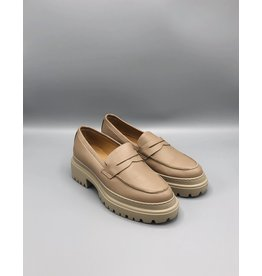 Manovie Toscane Chunky Sole Leather Loafer