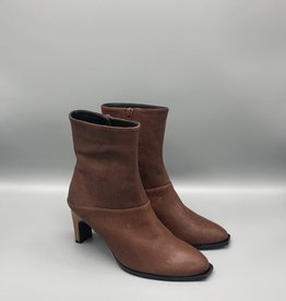 Thiron Wood Heel Side Zip High Leather Ankle Boot
