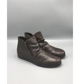 Valeria's Leather Wedge Heel Front Ruch Bootie