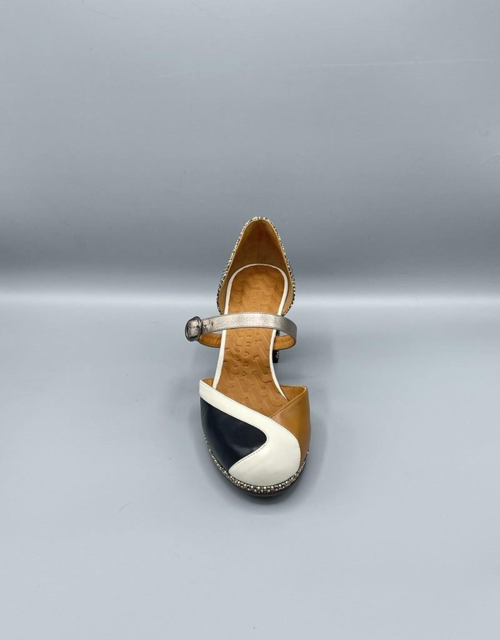 Chie Mihara Jadet Closed Toe Arch Buckle Block Heel   56mm