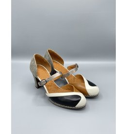 Chie Mihara Jadet Closed Toe Block Heel (2 Colours Available)