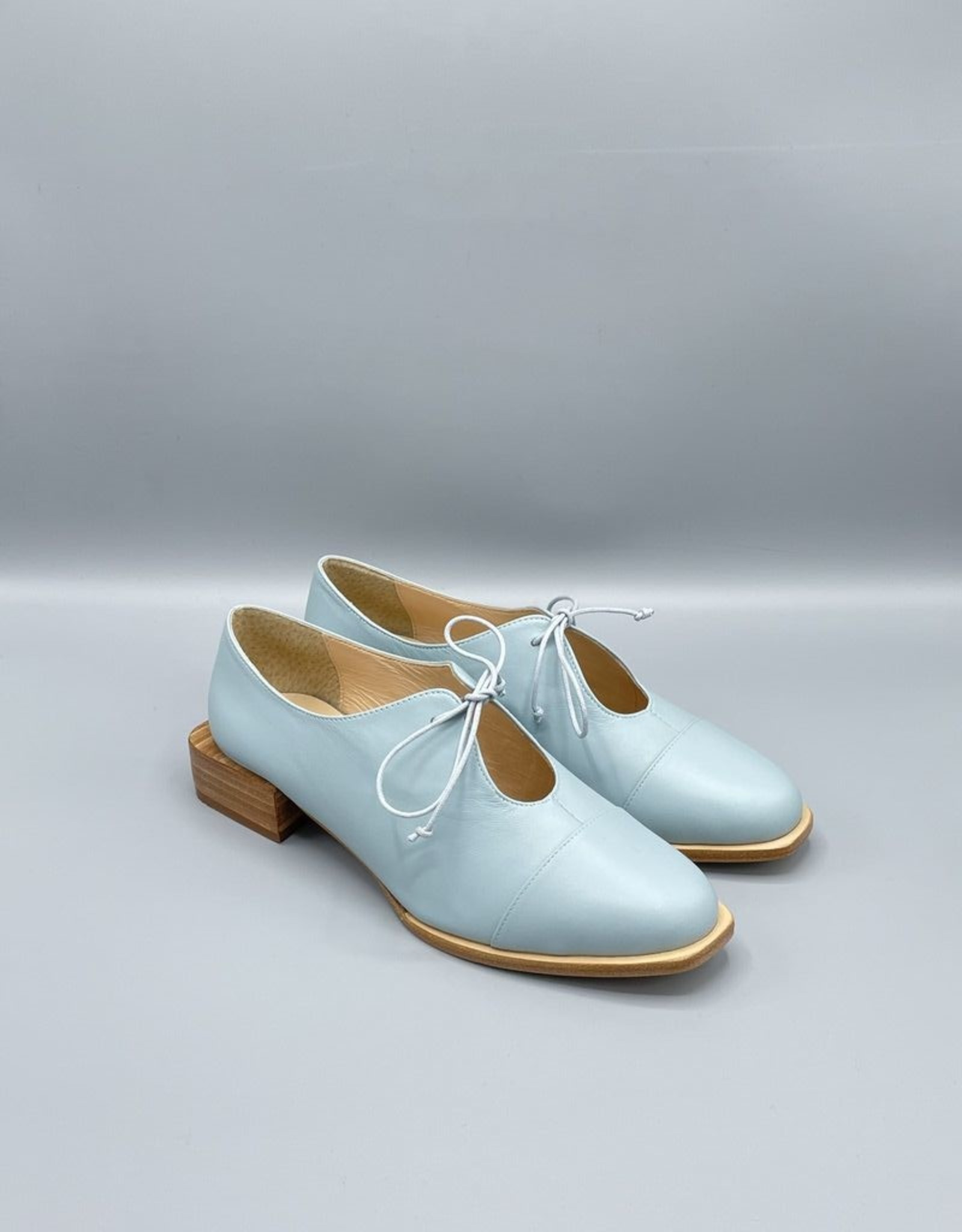 Lorraci Rounded Square Toe Tie Flat