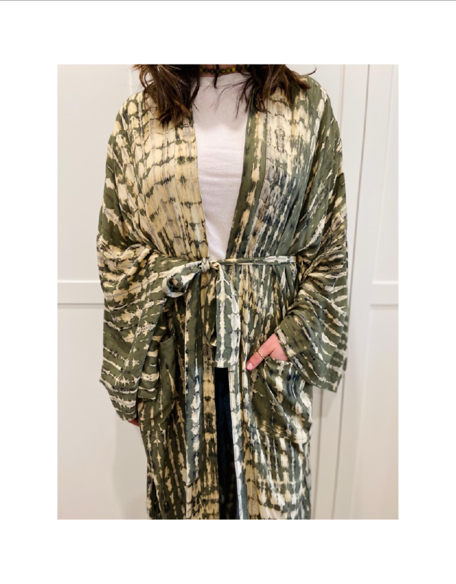 espy Oversized Long-Sleeve Kimono Robe