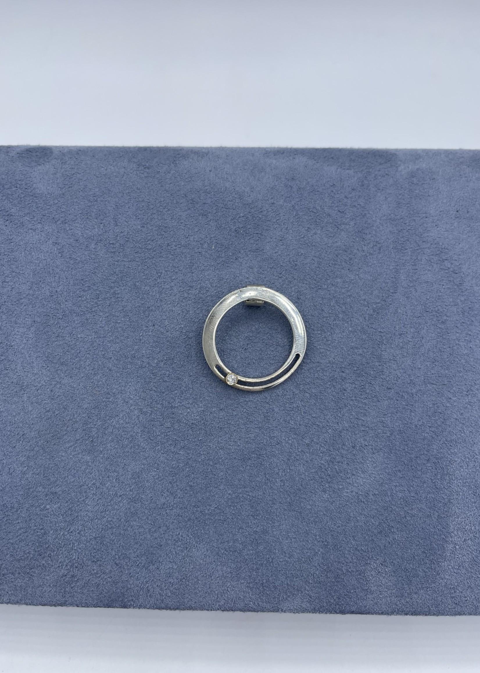 CJ Designs Sterling Silver Diamond Circle Pendant