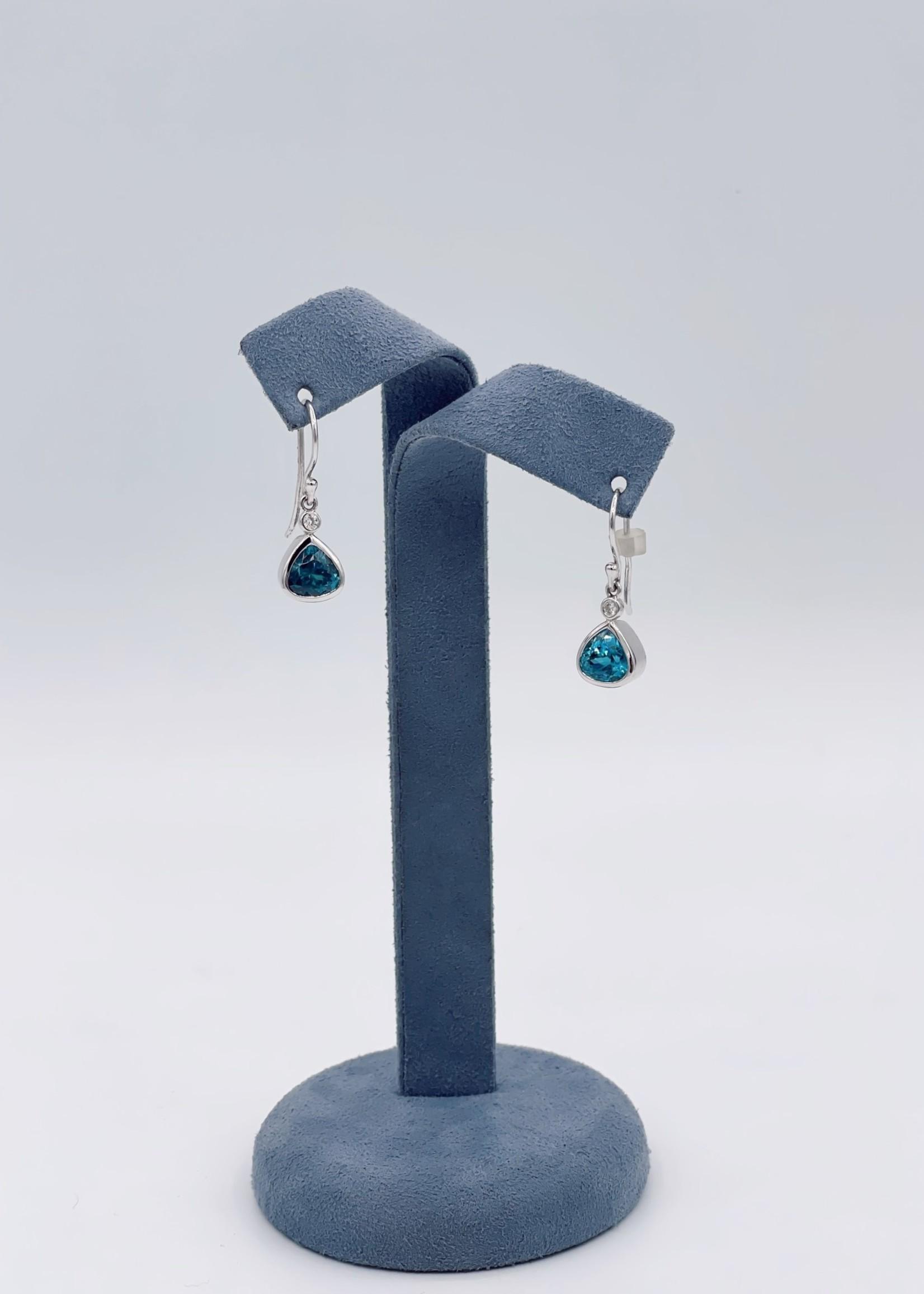 CJ Designs Zircon Earrings with Diamonds 18k White