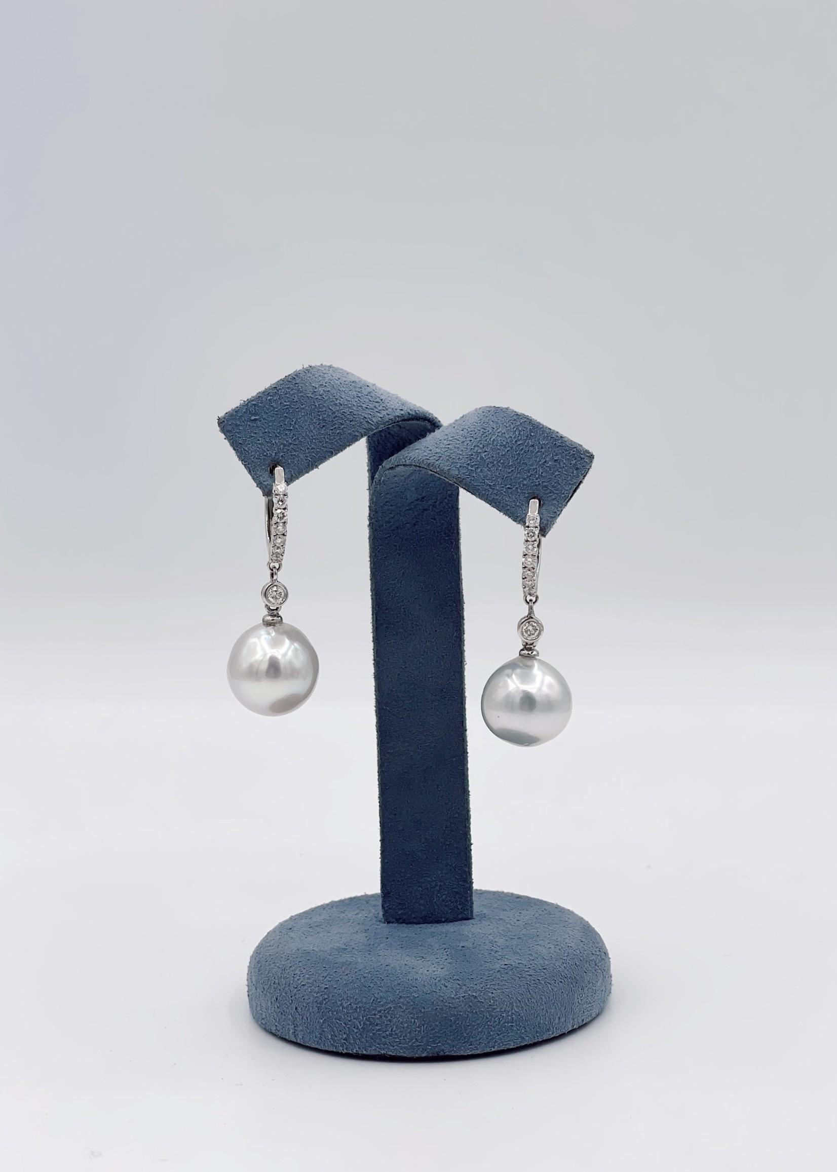Jye International Memo Diamond Pearl Hoop Earrings 18k White