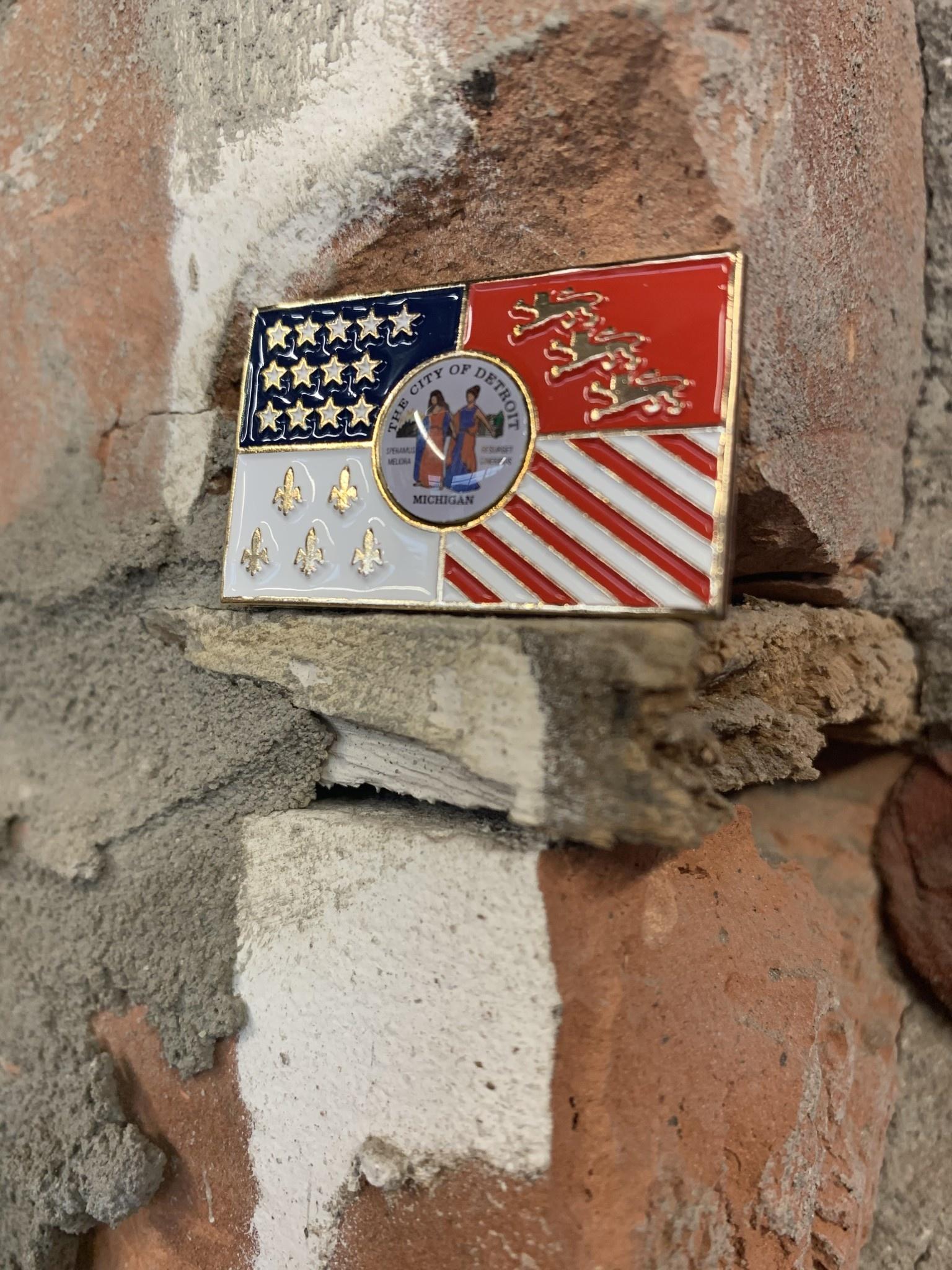 DETROIT FLAG  PINS