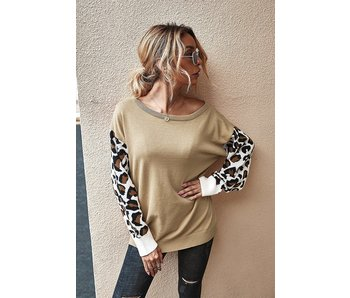 Mountain Valley Trading Leopard print sweater