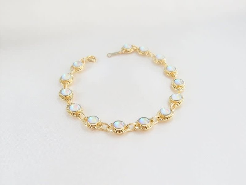 "Emery & Opal Opal Beatrice gemstone bracelet 6 1/2"" chain"