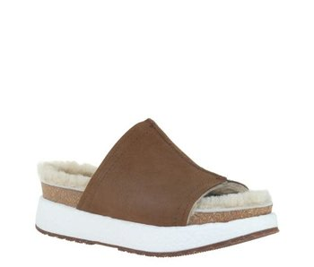 OTBT Wayside in new tan slide shoe
