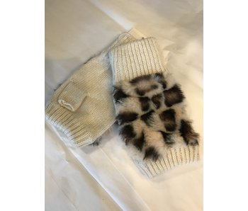 Mademoiselle Fingerless gloves with leopard fur