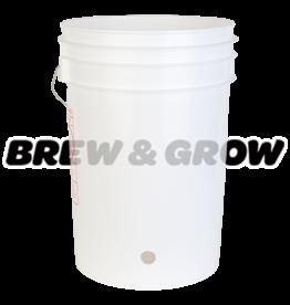 Bucket w/ Hole 6 Gal (White)