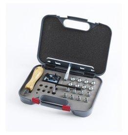 Equi-Essentials Stud Kit