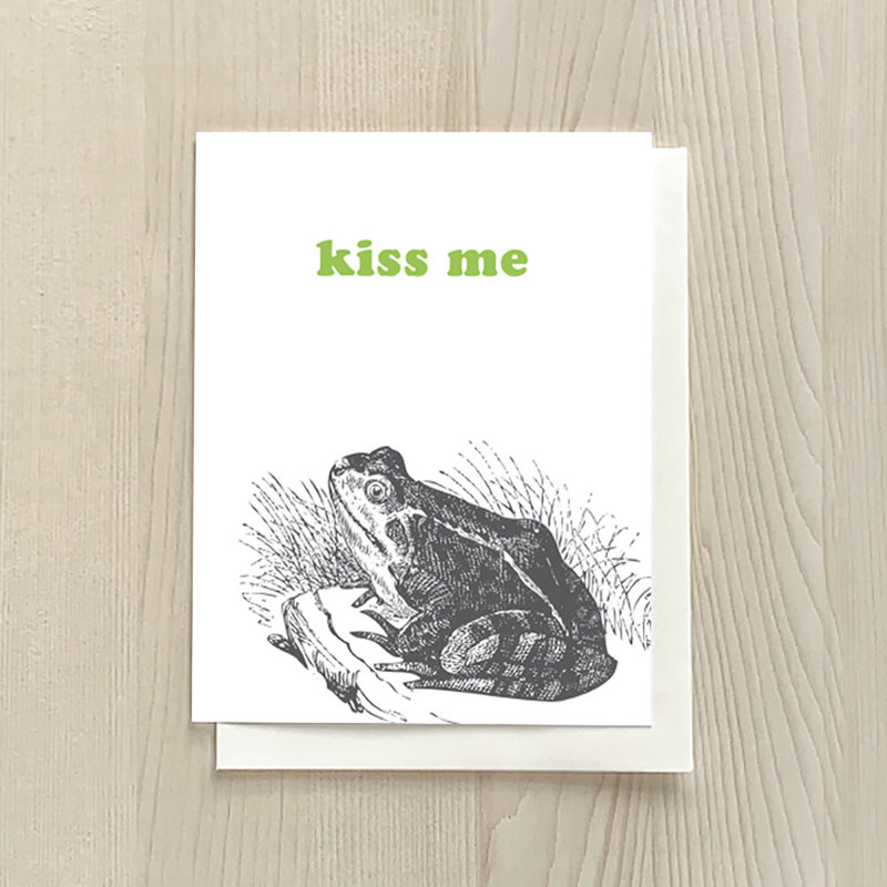 Vivid Print Kiss Me